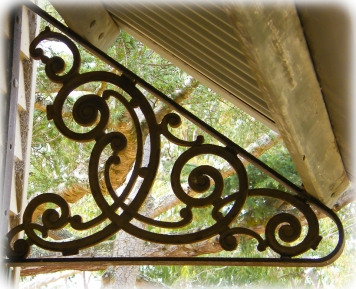Wrought iron bracket with an art deco feel at Beleura